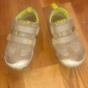 PLAE TY Boys Sneaker Leather/Suede Size 11 Mimo